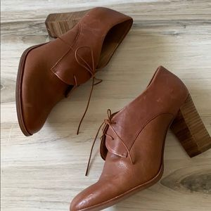 Madewell Shoes - Madewell Bette High Heel Oxford in English Saddle